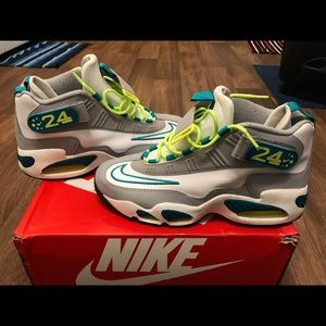 Nike Shoes - Men's Nike Air Griffey Max 1